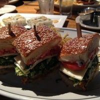 Photo taken at Hillstone Restaurant by Rafael C. on 4/22/2013