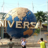 Photo taken at Universal Studios Singapore by Taku 目. on 6/22/2013