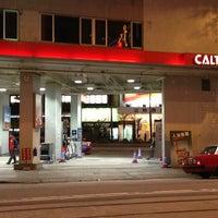 Photo taken at Caltex 加德士 by Taku 目. on 1/3/2013