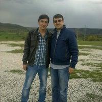 Photo taken at İntikamtepe Şehitliği by Semih E. on 5/2/2014