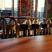 Снимок сделан в McDonald's пользователем AFixx 3/27/2013
