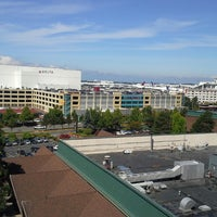 Photo taken at DoubleTree by Hilton Seattle Airport by Clinton R. on 8/16/2013