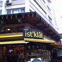 Foto tomada en Cadde İstiklal Pasta & Cafe por Miray İ. el 2/9/2013