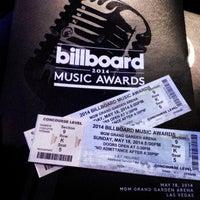 Photo taken at Billboard Music Awards by Ike U. on 5/18/2014
