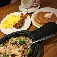 Photo taken at Denny's by Paiwei W. on 12/9/2017