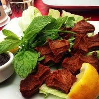5/11/2013 tarihinde 🎀Hande K.ziyaretçi tarafından Gomşu Restaurant'de çekilen fotoğraf