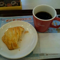 Photo taken at Mister Donut by てる坊 〈. on 8/27/2013