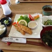 Photo taken at キンギョ食堂 by へらぱ on 7/8/2013