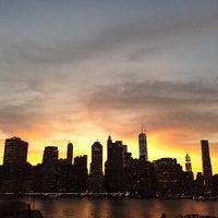 Das Foto wurde bei Brooklyn Heights Promenade von Nick M. am 7/16/2013 aufgenommen
