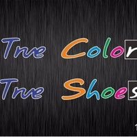 Photo taken at TRUE COLOR-TRUE SHOES by Smile D. on 7/5/2014