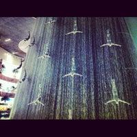 รูปภาพถ่ายที่ The Dubai Mall โดย Roy S. เมื่อ 7/11/2013