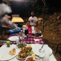 Photo taken at ceviz altı kendin pişir kendinye by KiraZ Ö. on 9/4/2018