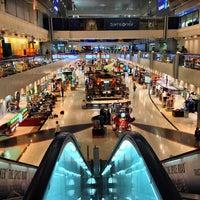 6/2/2013 tarihinde Yousif A.ziyaretçi tarafından Dubai Uluslararası Havalimanı (DXB)'de çekilen fotoğraf