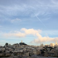 Photo taken at Russian Hill by 👊 Jaap V. on 5/22/2017