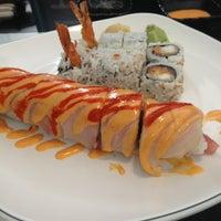 รูปภาพถ่ายที่ Kimchi Sushi โดย Jon Lenard S. เมื่อ 2/15/2013