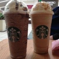 Foto diambil di Starbucks oleh Joyce H. pada 6/13/2013