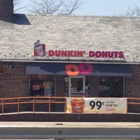 Photo taken at Dunkin' Donuts by Jay W. on 4/24/2013