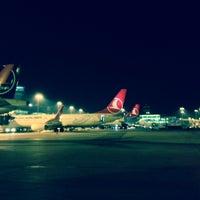 10/23/2013 tarihinde Mehmet D.ziyaretçi tarafından İstanbul Atatürk Havalimanı (IST)'de çekilen fotoğraf