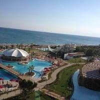 7/27/2013 tarihinde FuLya..ziyaretçi tarafından Kaya Palazzo Golf Resort'de çekilen fotoğraf