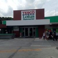 Photo taken at Tesco Lotus Supermarket by thummanoon k. on 7/22/2015