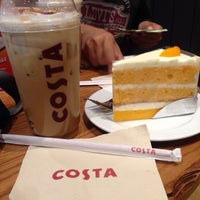 Photo taken at Costa Coffee by thummanoon k. on 10/29/2014