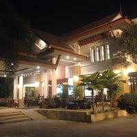 Photo taken at โรงแรมเรือนอินทร์ Ariya Inn by thummanoon k. on 1/11/2016