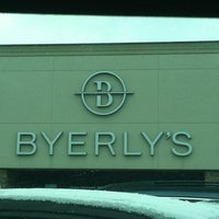 Photo taken at Lunds & Byerlys by Leif A. on 2/11/2013