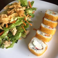 Foto tomada en Sticks Sushi + Ensaladas + Pastas por Dennise M. el 7/4/2015