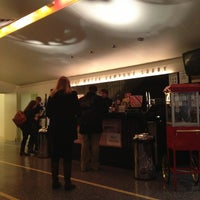 รูปภาพถ่ายที่ Playwrights Horizons โดย Caitlin C. เมื่อ 2/28/2013