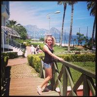 4/29/2013 tarihinde Алекс Б.ziyaretçi tarafından Lancora Beach Resort'de çekilen fotoğraf