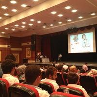 รูปภาพถ่ายที่ Zübeyde Hanım Öğretmenevi โดย Canan T. เมื่อ 6/23/2013