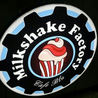 Photo taken at Milkshake Factory by Jomey A. on 12/21/2013