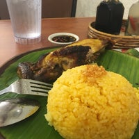 Photo taken at Bacolod Chicken Inasal by Macky D. on 12/19/2016