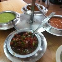 Foto tomada en Tacos Providencia por Tony M. el 11/9/2012