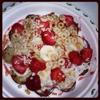 6/12/2013 tarihinde Esra A.ziyaretçi tarafından Choco Bons Waffle'de çekilen fotoğraf