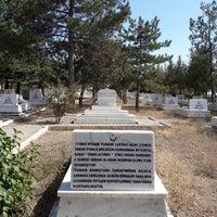 Photo taken at İntikamtepe Şehitliği by Ömer S. on 9/24/2017