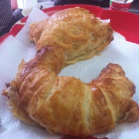 Photo taken at Croissant by Luz mery S. on 2/19/2013