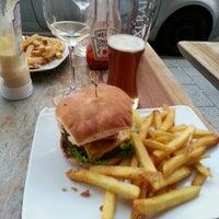 Das Foto wurde bei Burger & Bier von Mathieu C. am 6/8/2013 aufgenommen