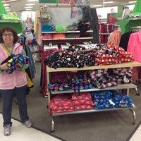 Foto diambil di Target oleh Kinsey S. pada 11/22/2012