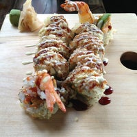 Photo taken at Sushi Dokku by Stephanie D. on 4/13/2013