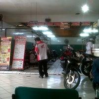 Photo taken at Honda 54 Pekalongan by M Yurofiqun E. on 7/15/2013
