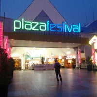 Photo taken at Plaza Festival by Ferdi P. on 3/1/2013