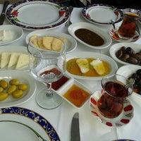 4/7/2013 tarihinde Berkay O.ziyaretçi tarafından Ramazan Bingöl Et Lokantası'de çekilen fotoğraf