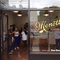 Photo prise au Menotti's Coffee Stop par Chris H. le10/2/2013