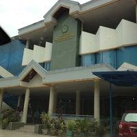 Photo taken at Fakultas Ekonomi Universitas Mulawarman by Yichunz L. on 3/11/2013