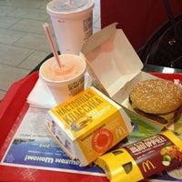 Снимок сделан в McDonald's пользователем Anya K. 5/13/2013