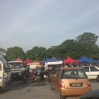 Photo taken at Bazaar Ramadhan Seksyen 7 by T E N G A H on 7/19/2013