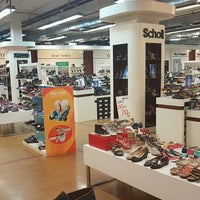 Photo taken at Factory Brand Shoes Outlet Mall Pattaya by Martin P. on 2/15/2017