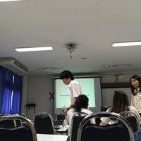Photo taken at ECB 1401 คณะเศรษศาสตร์ มหาวิทยาลัยเชียงใหม่ by Choei &. on 8/8/2016