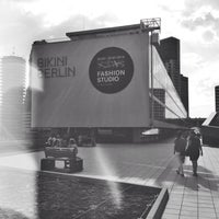 Das Foto wurde bei Bikini Berlin von Tony S. am 7/10/2014 aufgenommen